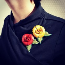 Rosybrown Primrose Broche